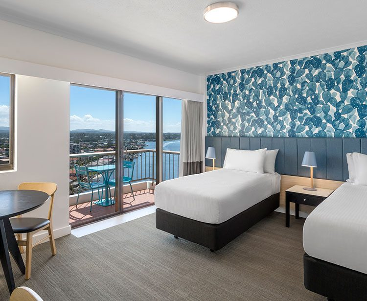 vibe-hotel-gold-coast-guest-room-twin-bedroom-with-view-2018-1230x615