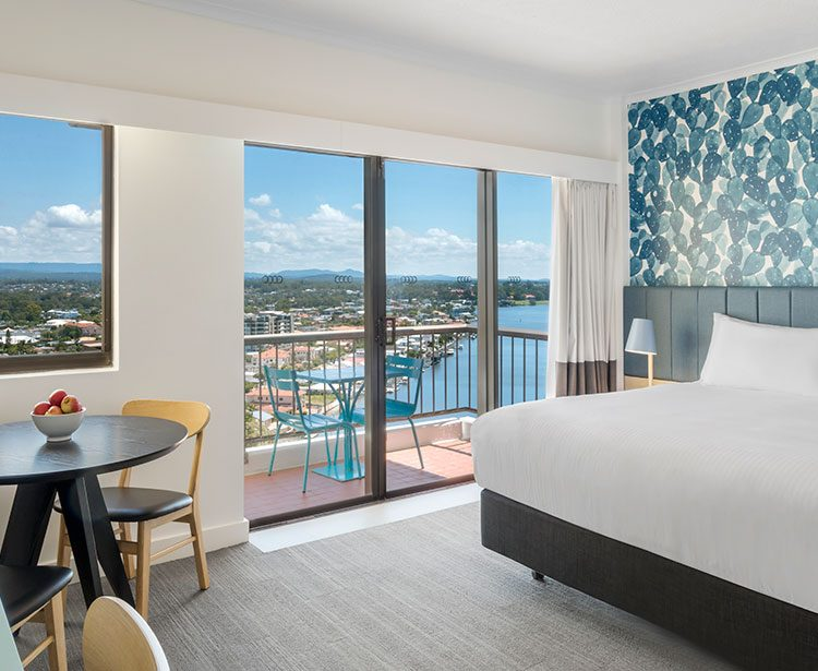 vibe-hotel-gold-coast-guest-room-with-view-king-bedroom-05-2018-1230x615